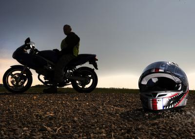How to choose a motorcycle helmet that suits you (Standards)